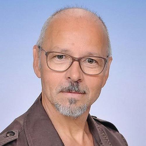 Dipl.Päd. Ernst BEYER