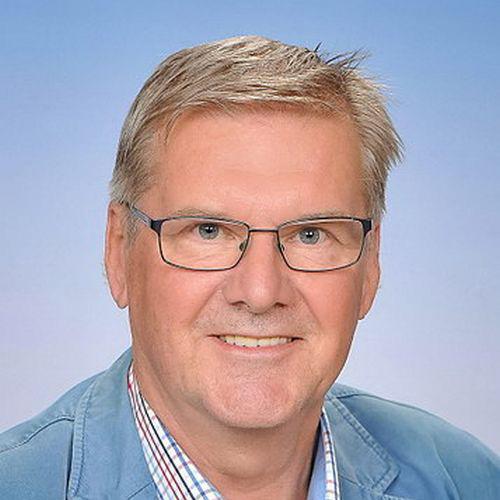 SR Dipl.Päd. Georg HUMMEL